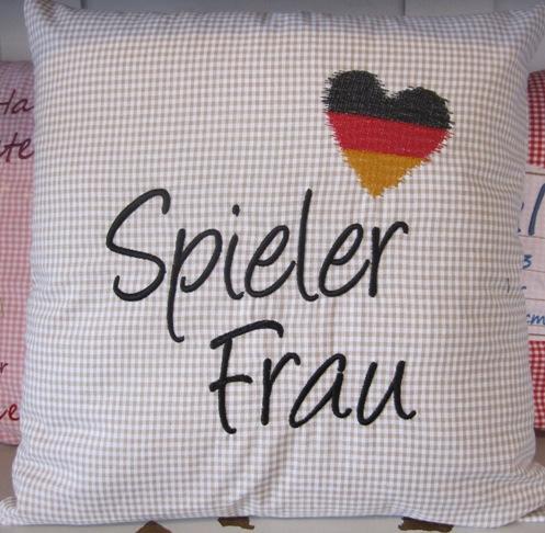 Stickdatei Spielerfrau Flagge